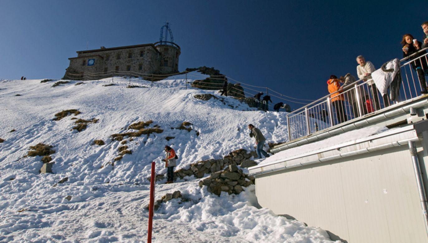 Warstwa śniegu na Kasprowym Wierchu ma kilka centymetrów (fot. Flickr/Ainunau)