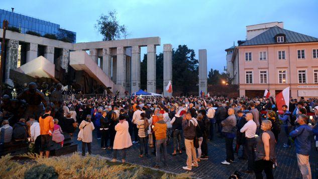 Resort zapewnił, że funkcjonariusze zabezpieczając zgromadzenia zawsze wykonują swoje zadania zgodnie z przepisami prawa(fot. arch.PAP/Jakub Kamiński)