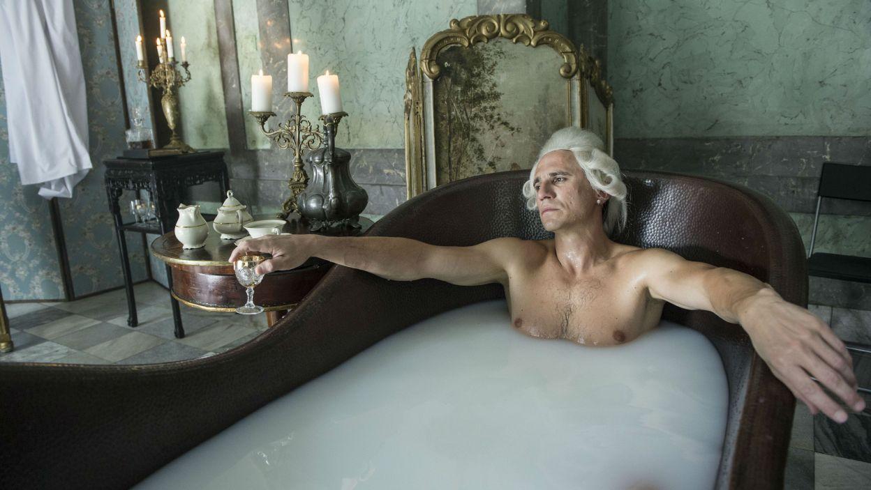 Sambor Czarnota jako Otto Magnus von Stackelberg – rosyjski ambasador w Warszawie (fot. Natasza Młudzik/TVP)