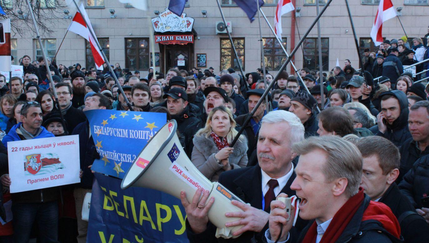 W ubiegłym roku podczas protestów z okazji Dnia Wolności zatrzymano kilkaset osób (fot. Mikalai Anishchanka/Anadolu Agency/Getty Images)