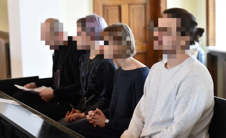 Oskarżeni na sali rozpraw Sądu Rejonowego w Oświęcimiu