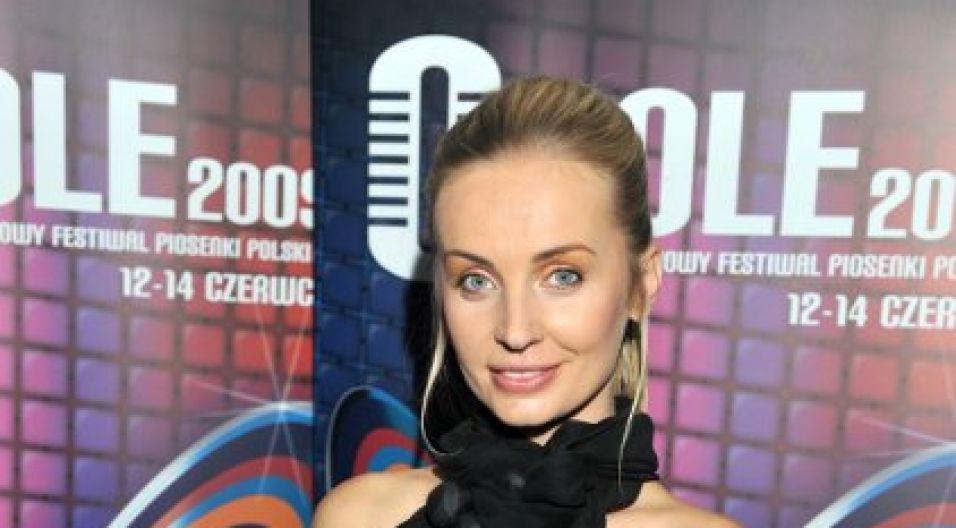 Trudno sobie wyobrazić opolską galę bez pięknej prezenterki Agnieszki Szulim-Badziak (fot. Jan Bogacz/TVP)