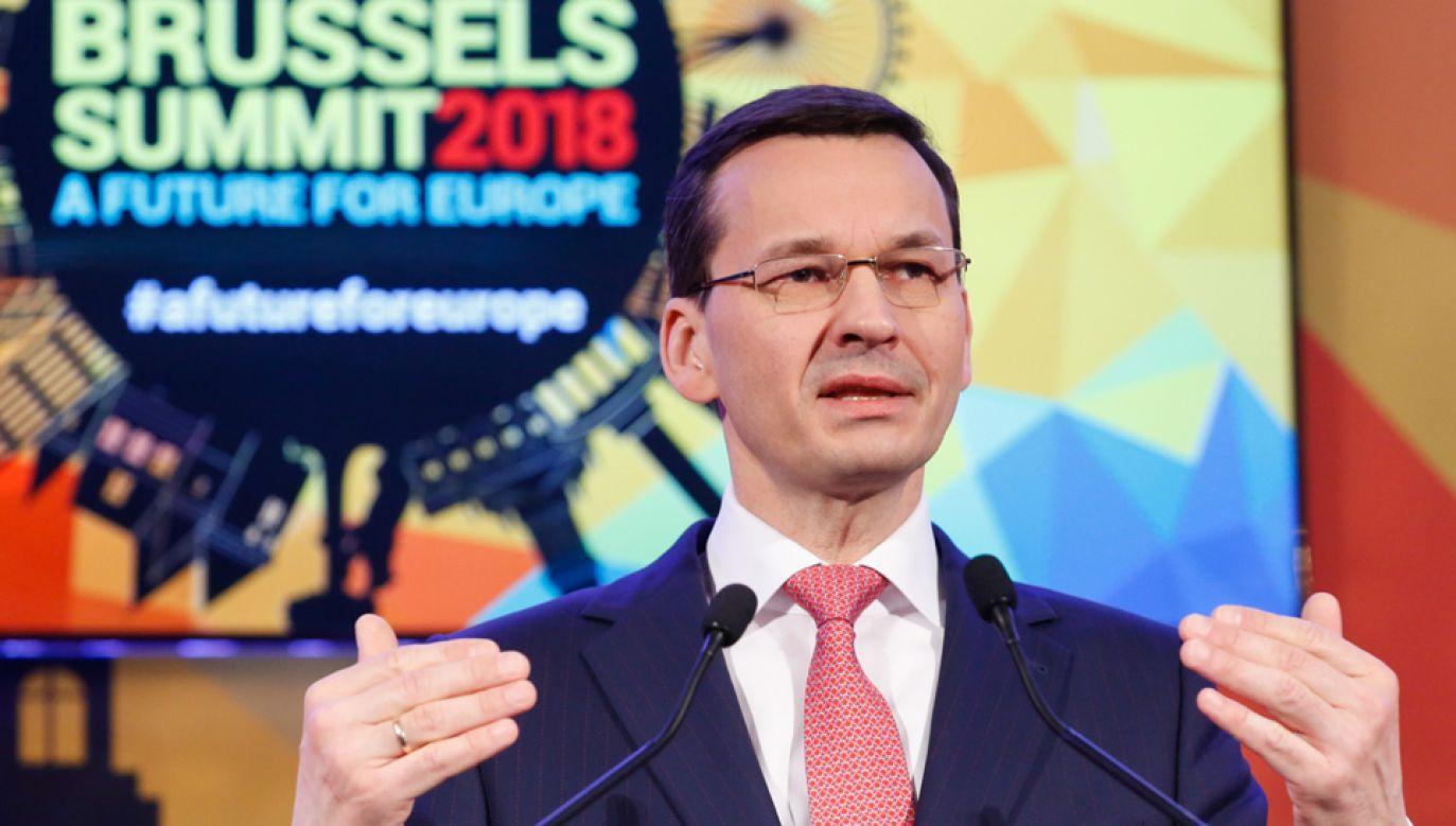 Premier Mateusz Morawiecki podczas konferencji w Brukseli (fot. PAP/Adam Guz)
