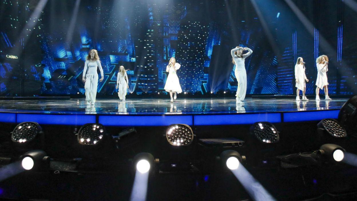 Poza wokalem, artystka zadbała o oprawę sceniczną (fot. Andres Putting/Eurovision)