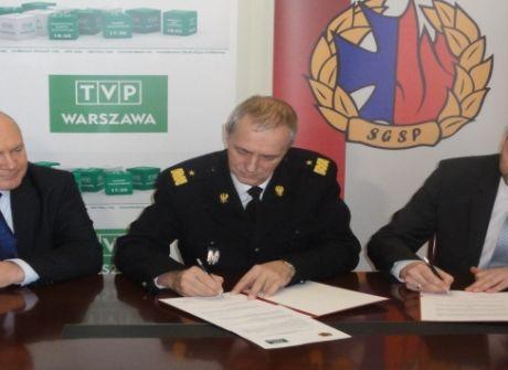 Podpisanie listu intencyjnego dotyczącego współpracy partnerskiej między TVP Warszawa a Szkoła Główną Służby Pożarniczej