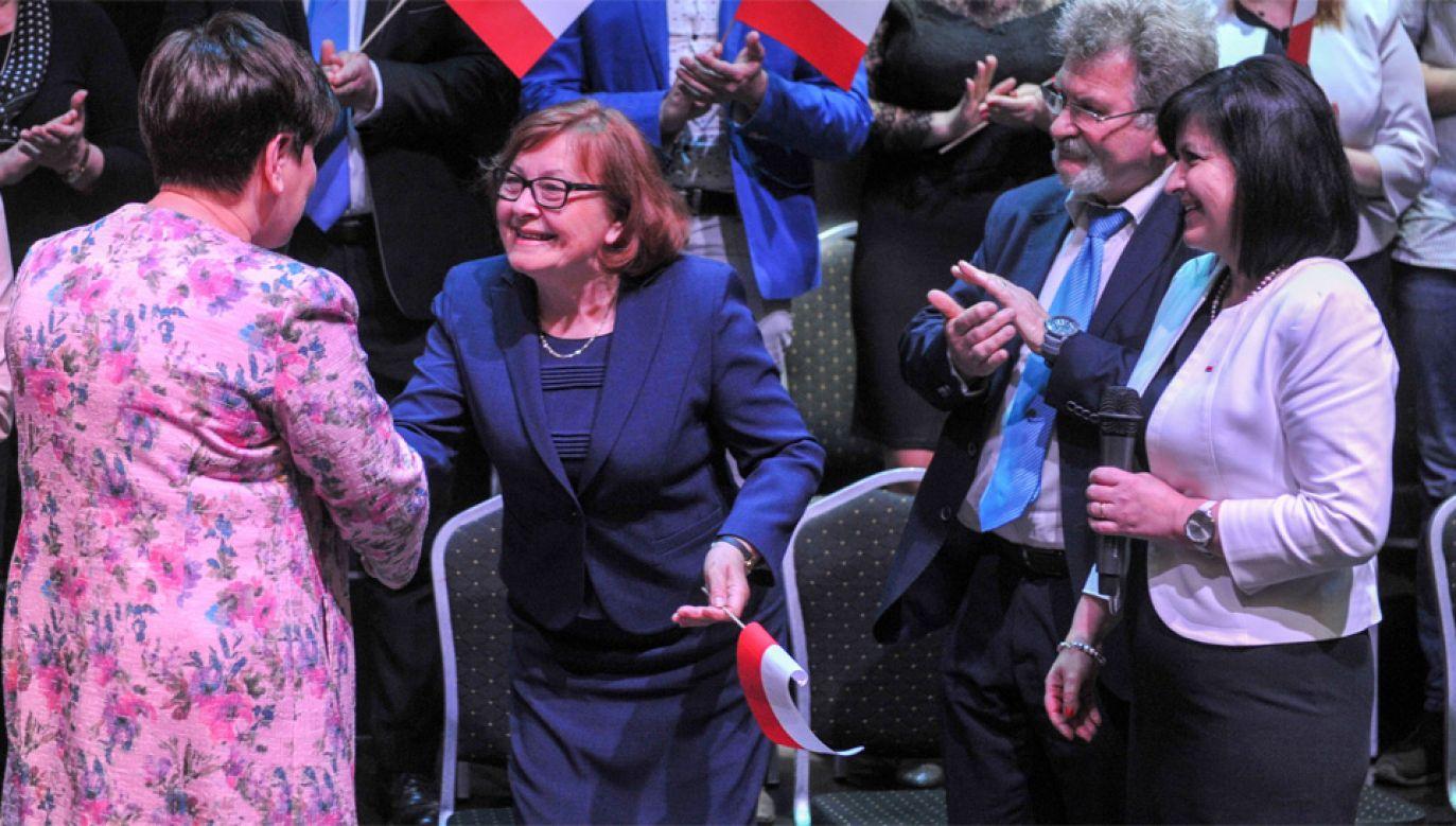 Wicepremier Beata Szydło jest odpowiedzialna za politykę społeczną rządu (fot. PAP/Michał Klag)