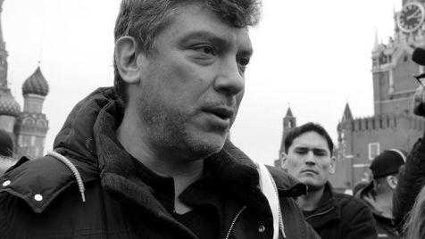 Niemcow działał w rosyjskiej polityce od końca lat 80. (fot. PAP/EPA/MAXIM SHIPENKOV)