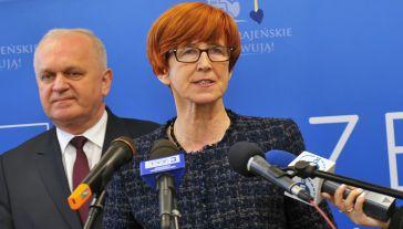 Minister rodziny, pracy i polityki społecznej Elżbieta Rafalska (fot. PAP/Marcin Bielecki)
