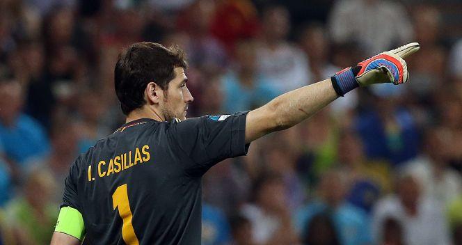 Iker Casillas nie miał zbyt wiele pracy w tym meczu (fot. PAP/EPA)