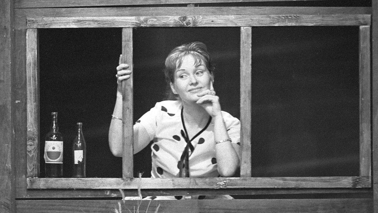 """Krafftówna dobrze czuła się zarówno w rolach dramatycznych jak i komediowych. Występowała w wielu programach satyrycznych, takich jak """"Anty-szopka sylwestrowa"""" (fot.TVP)"""