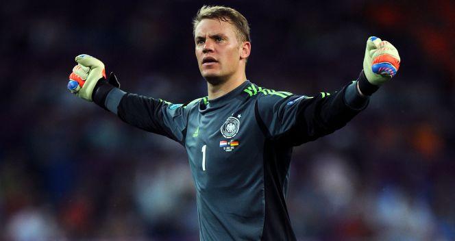 Neuer pierwsze piłkarskie kroki stawiał w Gelsenkirchen (fot. Getty Images)