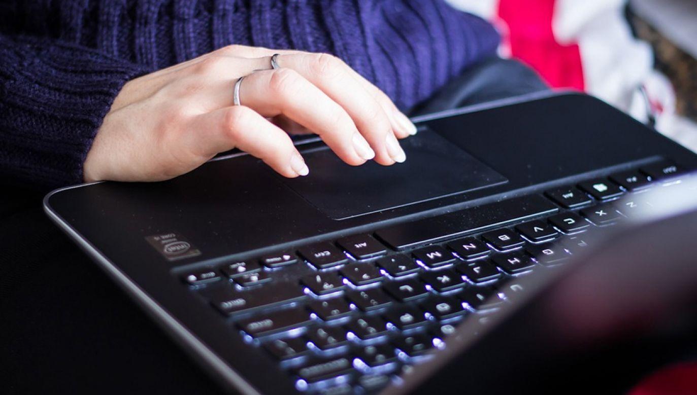 Nowe przepisy wprowadzają zasadę składania wszystkich wniosków tylko w formie elektronicznej (fot. Pixabay/StockSnap)