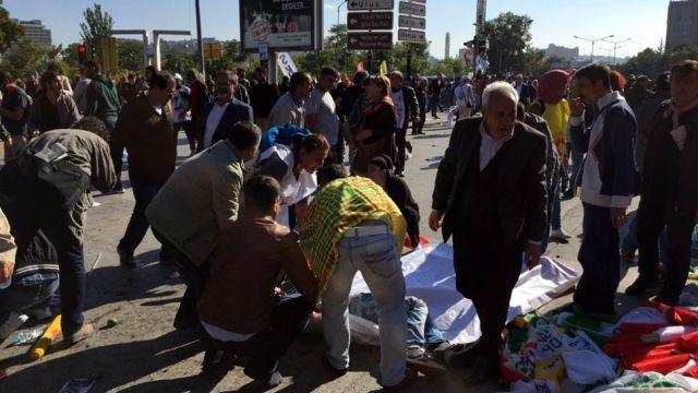 Rośnie tragiczny bilans ofiar zamachu w Ankarze. Jest co najmniej 30 zabitych. Ponad 100 osób zostało rannych