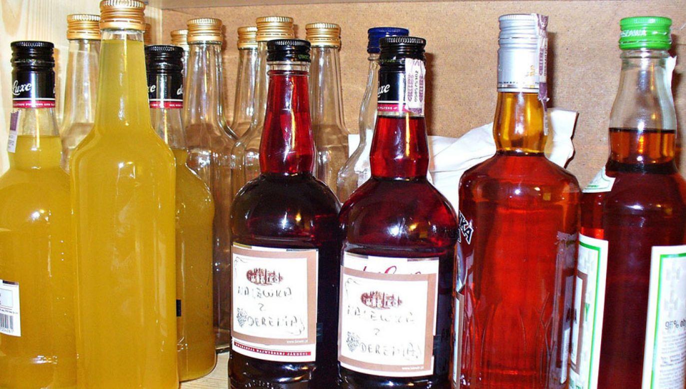 W Polsce dopuszczalna jest produkcja nalewek, wytwarzanych na bazie zakupionego alkoholu etylowego (fot. arch.)