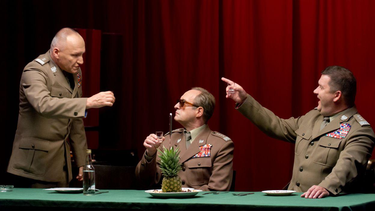 ...oraz Mariusza Jakusa jako Floriana i Roberta Wabicha w roli Czesława (fot. M. Łukaszek/TVP)