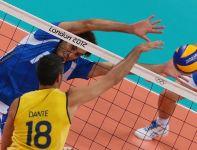 Alessandro Fei nie potrafił poradzić sobie z atakami Brazylijczyków (fot PAP/EPA)