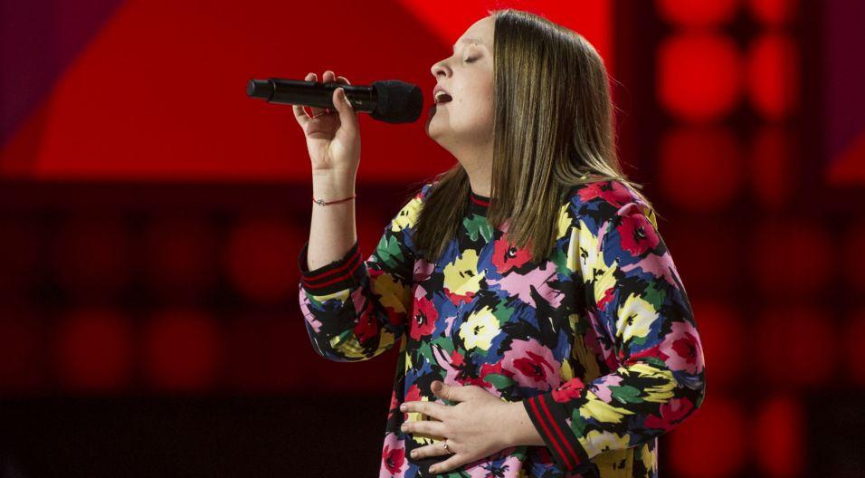 """Olga Sobolewska lubi kozackie pieśni, a jak sprawdziła się w """"Lornetce"""" Golców (fot. TVP)"""