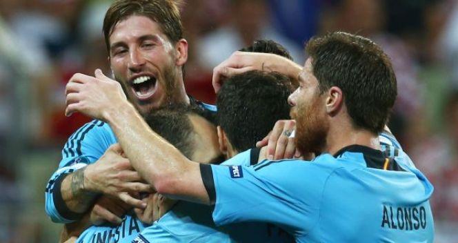 Radość Hiszpanów. Obrońy tytułu w ćwierćfinale (fot. Getty)