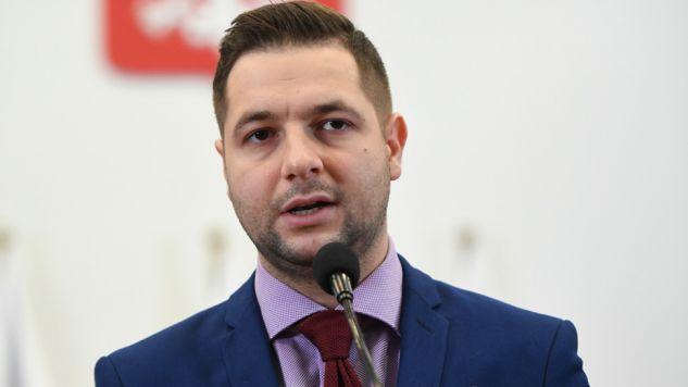 Przewodniczący komisji weryfikacyjnej ds. reprywatyzacji Patryk Jaki  (fot. PAP/Bartłomiej Zborowski)
