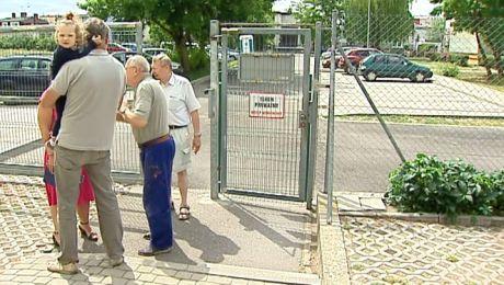 Spór mieszkańców dwóch bloków na Szwederowie o furtkę