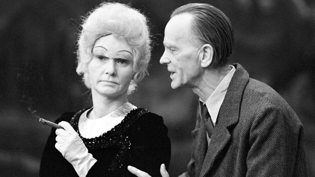 """20 lat po swoim debiucie, Krafftówna nadal była jedną z najpopularniejszych aktorek swoich czasów. Artystka ponownie zachwyciła w tragikomedii """"Wizyta starszej pani"""", w reż. Jerzego Gruzy (fot.TVP/East News)"""