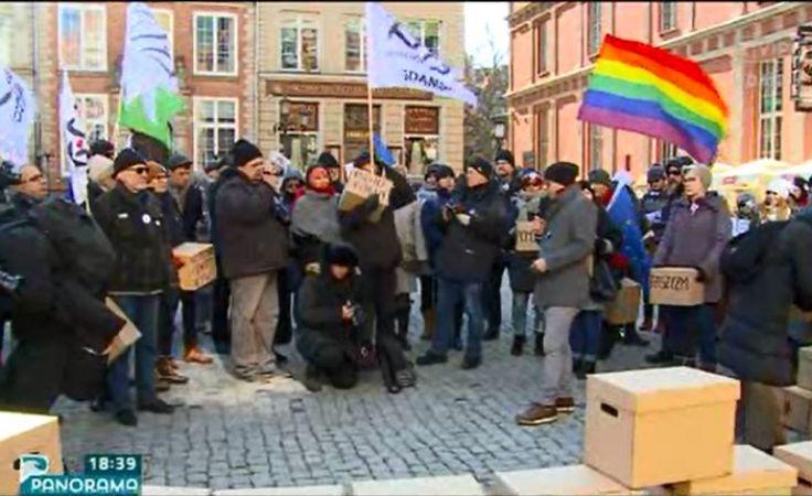 KOD manifestował solidarność z osobami dyskryminowanymi