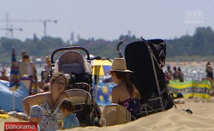 Zamknięte kąpieliska i tłumy na plażach