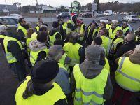 """Mobilizacja """"żółtych kamizelek"""". Władze wyślą czołgi na ulice Paryża"""