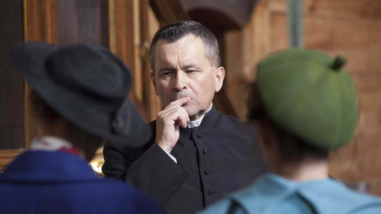 Czy ze spotkania na plebanii Irka i Henryka dowiedzą się czegoś o Kamilu? (fot. TVP)