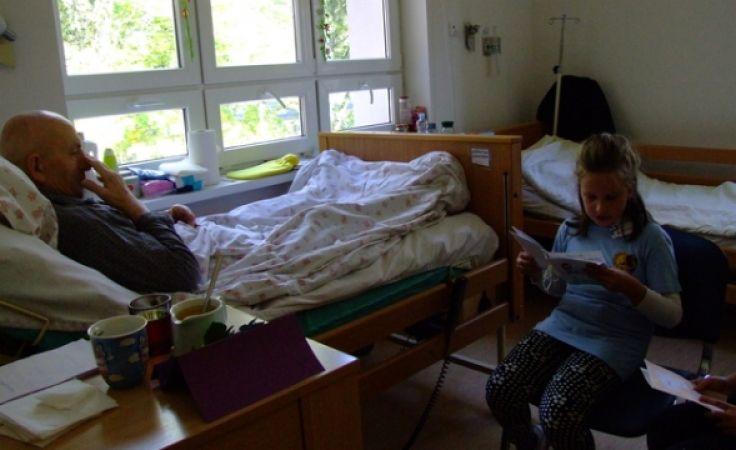 """W części artystycznej przybyłym gościom zaprezentuje się chór dziewczęcy """"CANTABILE"""" (fot. hospicjum.olsztyn.p)"""