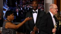 Zdobywca Oskara Kobe Bryant (fot. REUTERS/Mike Blake)
