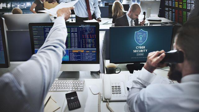 Ekspert: Cyberkonflikt toczy się na naszych oczach