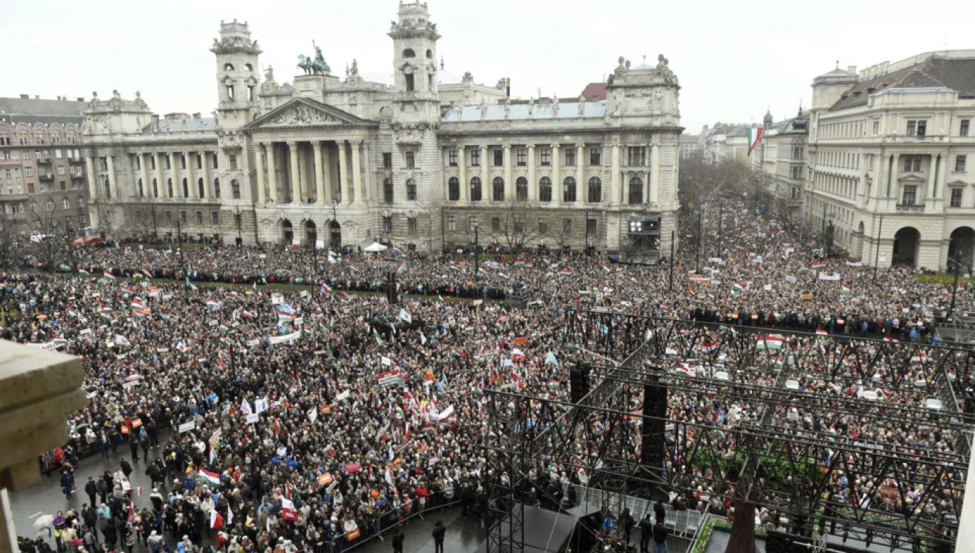 Uroczystości w Budapeszcie w dniu święta narodowego  (PAP/EPA/Noemi Bruzak)