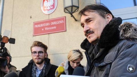 Śledztwo dotyczy m.in. blokowania wyjazdu posłów przez manifestujących (fot. PAP/Marcin Obara)
