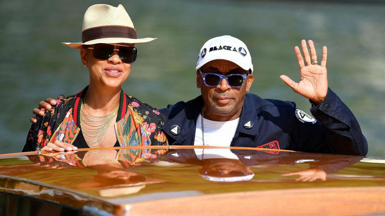 Spike Lee z żoną Tonyą Lewis Lee (EPA/ETTORE FERRARI)