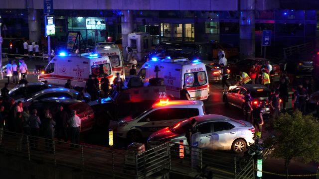 Zamach na lotnisku w Stambule. Ponad 30 zabitych. Jest wielu rannych