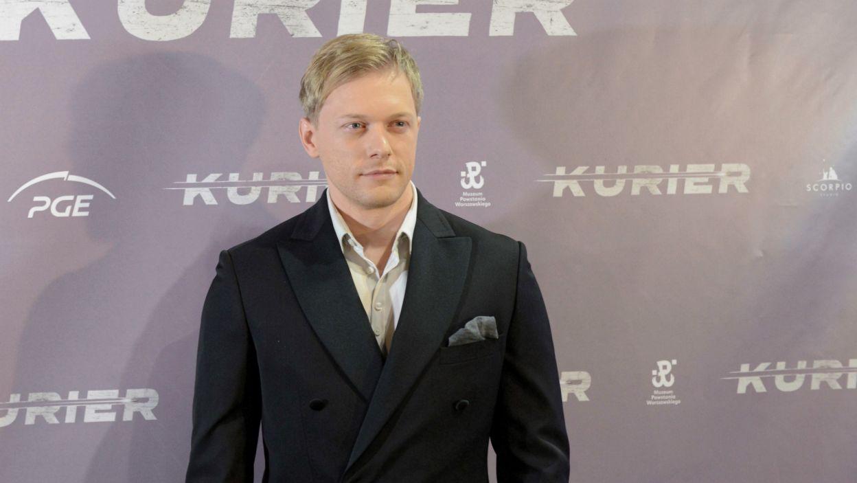Philippe, syn byłego piłkarza Mirosława Tłokińskiego, zagra Jana Nowaka-Jeziorańskiego (PAP/Jakub Kamiński)