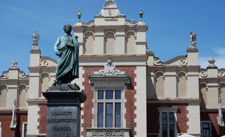 Pomnik Adama Mickiewicza przejdzie renowację (fot. Gabriela Mruszczak)