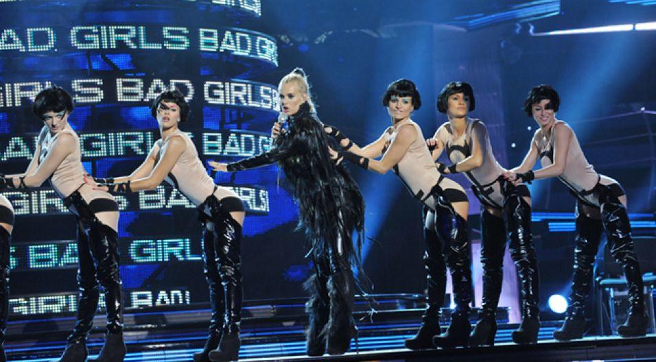 Recital rozpoczął się wielkim uderzeniem power girl (fot. Ireneusz Sobieszczuk/TVP)