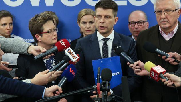 """W programie dyskutowano na temat """"wspólnego apelu opozycji"""" do Brukseli (fot. PAP/Rafał Guz)"""