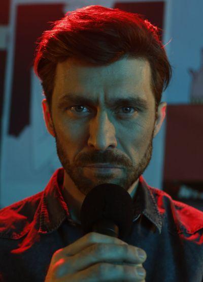 Dyrektor Teatru Popularnego Marcin Konieczny (Marcin Czarnik)