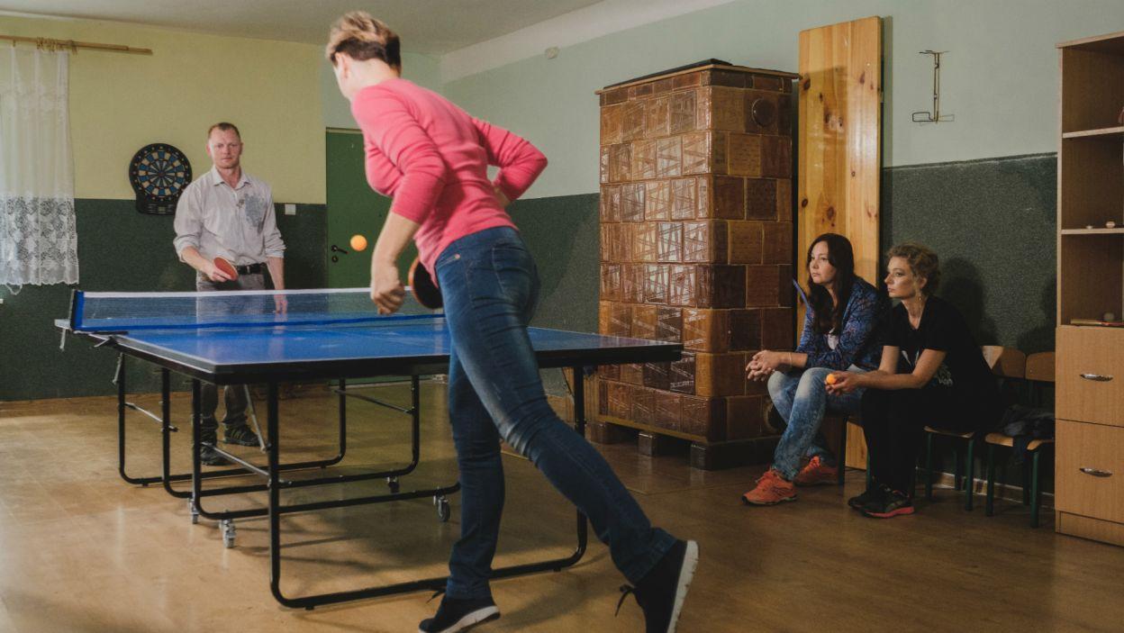 Kandydatki Marka tym razem miały okazję rywalizować na innym polu. Panie zmierzyły się przy stole pingpongowym (fot. TVP)