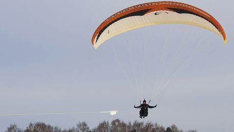 Paralotniarz spadł z około 50 metrów (fot. flickr.com/Aleksander Markin)