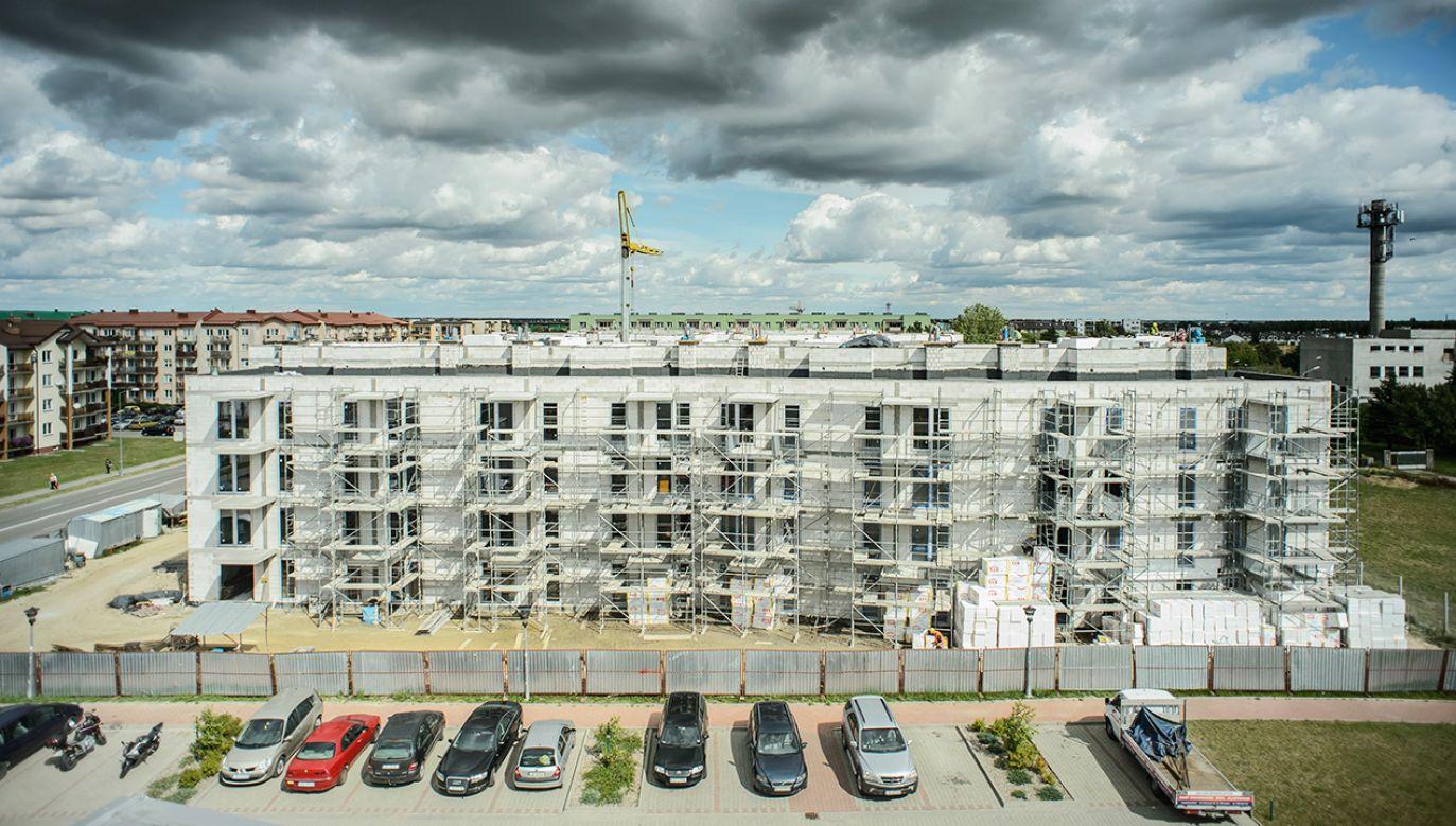 Minister infrastruktury i budownictwa mówił w TVP Info m.in. o planowanej liczbie mieszkań w programie Mieszkanie Plus (fot. arch.PAP/Wojciech Pacewicz)