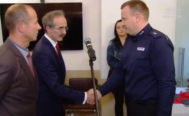 Podkomisarz Michał Godyń odnalazł wyziębionego dwulatka