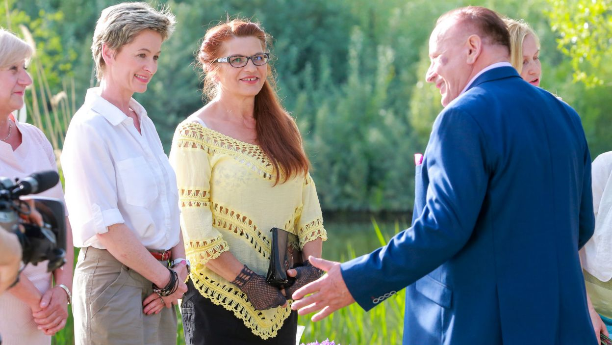 W oko wpadły mu przede wszystkim Renata i Janeczka (fot. TVP)