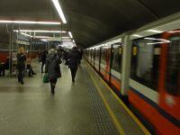 """Publicysta zaatakowany w metrze: """"ty pisowska k...wo"""""""