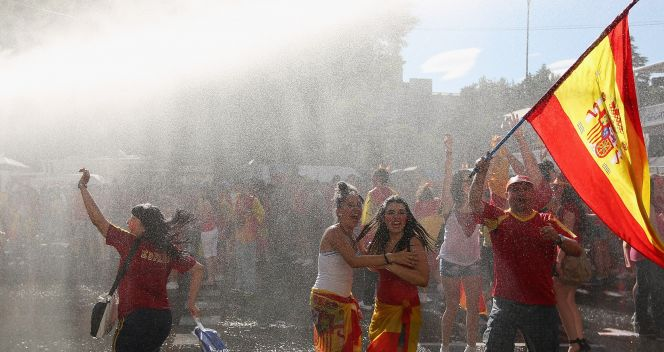Kibice reprezentacji HIszpanii dobrze sie bawili (fot. Getty Images)