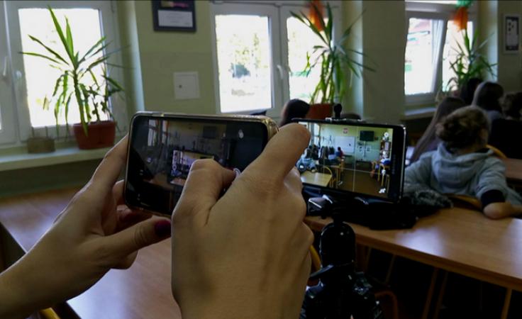 W szkole z tradycjami filmowymi kręcą filmy smartfonami