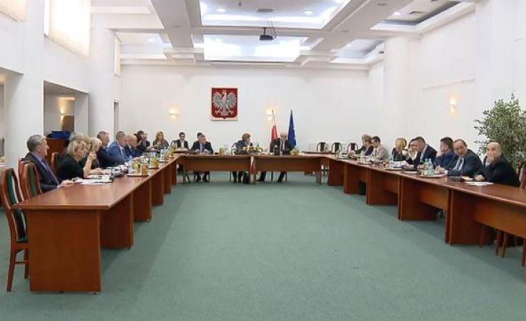 Sesja pod znakiem roszad. Rada Powiatu z nowym przewodniczącym
